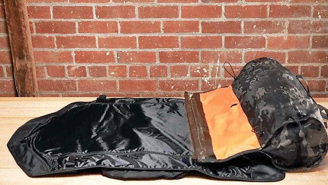 geanta-care-nu-ti-sifoneaza-hainele